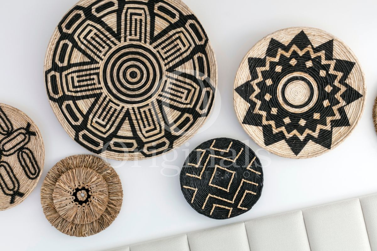 Accessories made out of rope with black patterns - Originals Interiors
